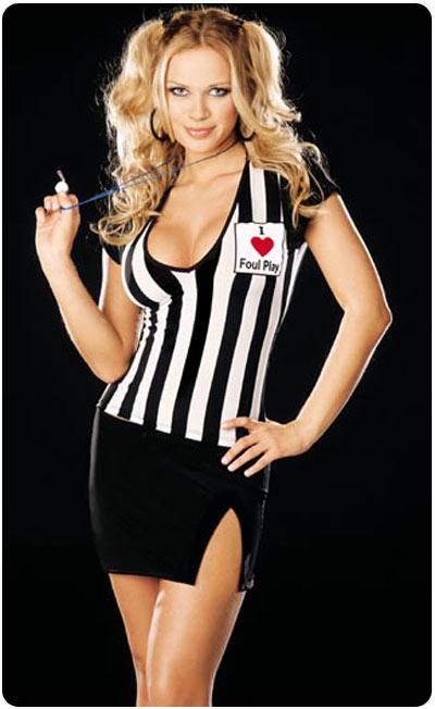 chica_disfrazada_de_arbitro_sexy.jpg