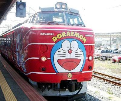 Doraemon estampado en un tren