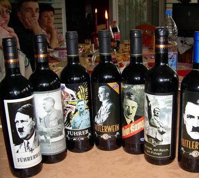 Colección de vinos con fotos de Adolfo Hitler