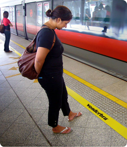 wonderbra-safety-line.jpg
