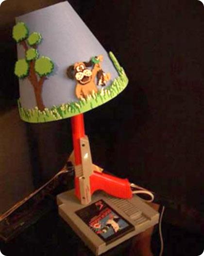 Lampara hecha con piezas de nintendo portafolio blog - Piezas para lamparas ...