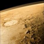 Marte y su superficie plana, con algunos crateres