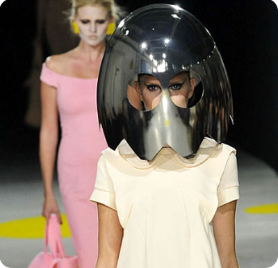 chica fantasma fashion