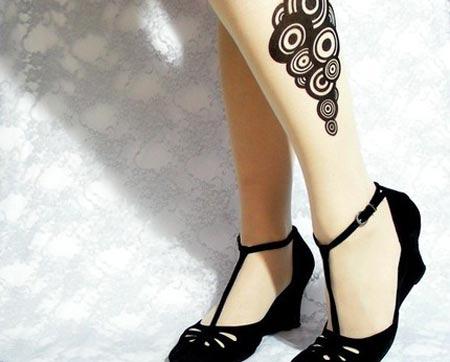 medias femeninas con diseños de tatuajes