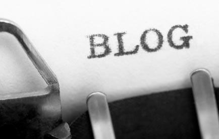 Palabra blog escrita a máquina