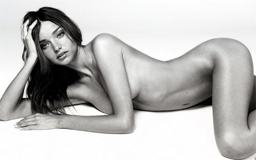 Miranda Kerr desnuda en campaña publicitaria de Kora, cuidado de la piel
