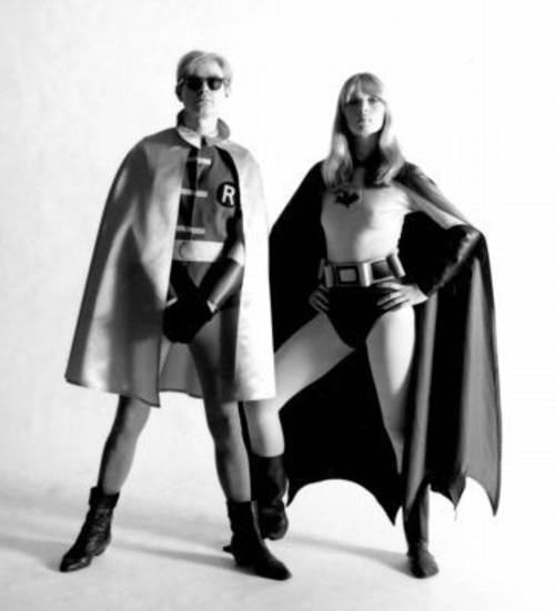 Andy Warhol y Nico como super heroes