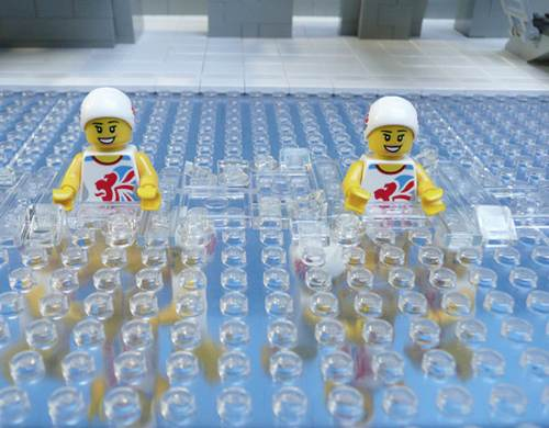 Nadadoras de lego en nado sincronizado