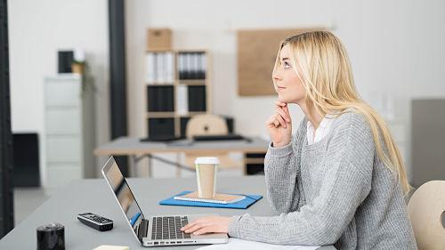 Chicas con ordenadores