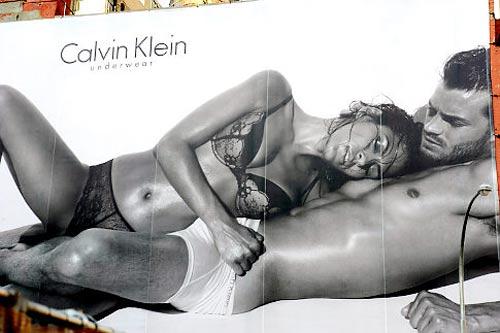 Eva Mendes CK Sexy Billboard, espectacular de lencería