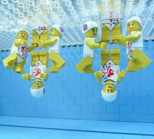 Legos en nado sincronizado